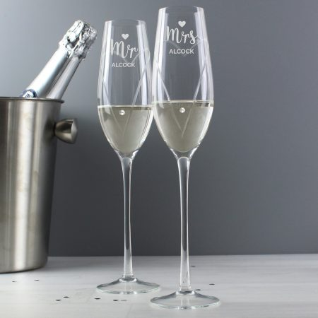 ersonalised Hand Cut Mr & Mrs Pair of Flute Glasses with Swarovski Elements in Gift Box